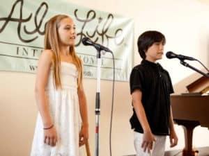 Oksana Enrichment Singing Slider